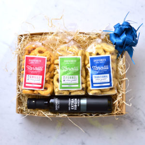 Tris Taralli and olive oil gift